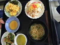 散らし寿司と天ぷらの昼食